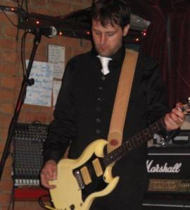 Me playing my Gibson SG 1964... At Brutopia in Montreal. Great brewpub with great beer!